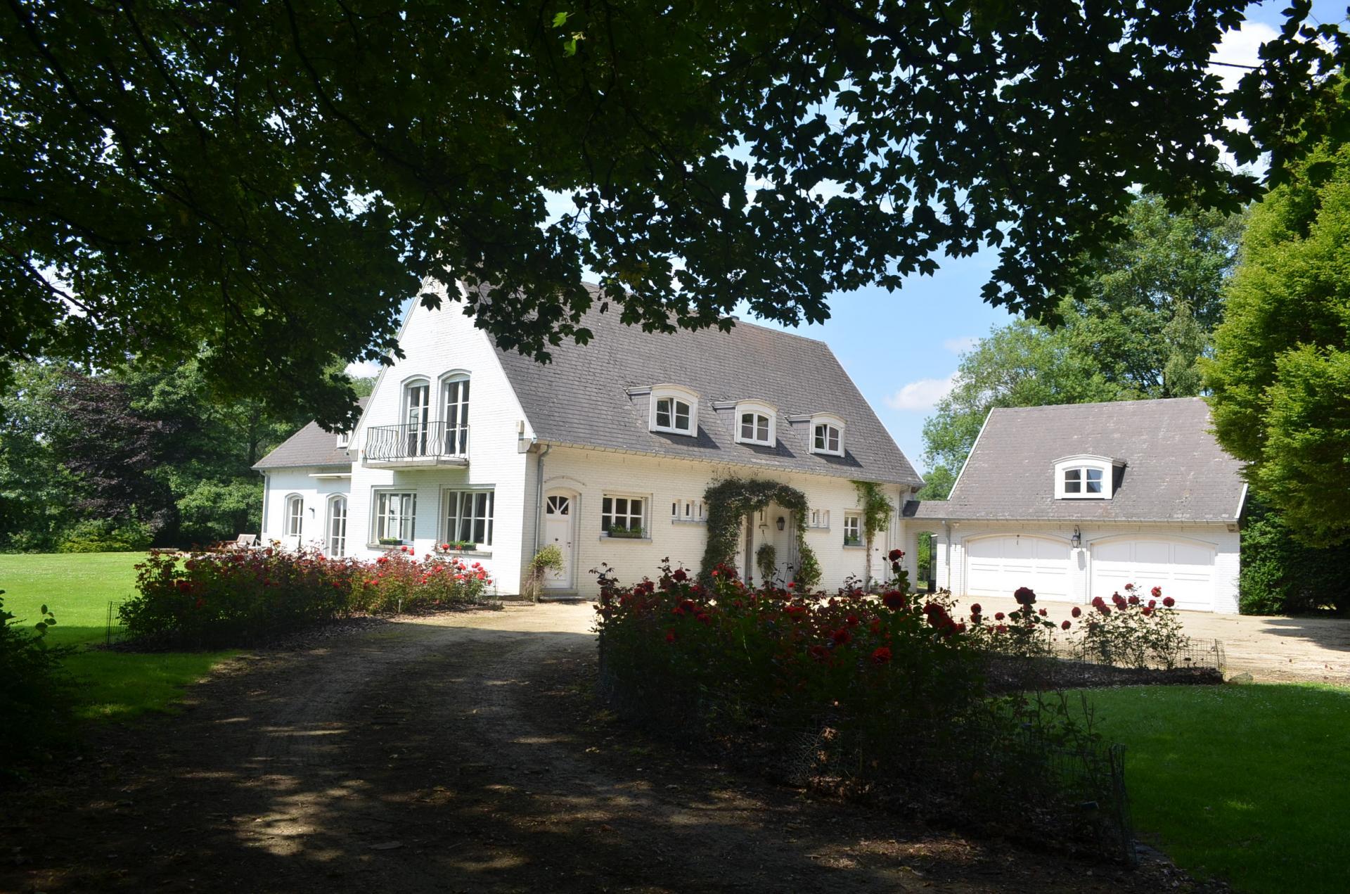 The villa Les Trois Fontaines in Walhain
